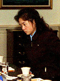 A picture presumed to be of Kim Ok when she accompanied Jo Myong-rok, the first vice chairman of North Koreas National Defense Commission, to Washington when he visited as special envoy of Kim Jong-il in October 2000, from the U.S. Defense Ministry homepage. /Yonhap