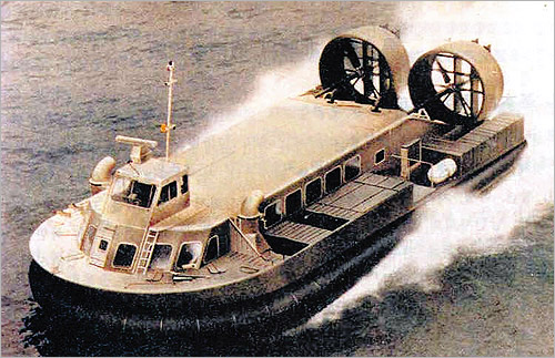 North Korean hovercraft landing vessels, which are presumed to be similar to Pyongyangs newly deployed high-speed war hovercraft