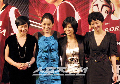 From left, Moon So-ri, Kim Jung-eun, Kim Ji-young, and Cho Eun-ji, the stars of the film Forever the Moment.