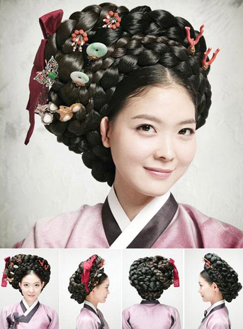 Fusion Wedding Hairdo A combination of Korean chignon and Western bun