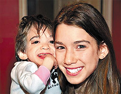 Brooke Greenberg (left) and her sister /ABC News