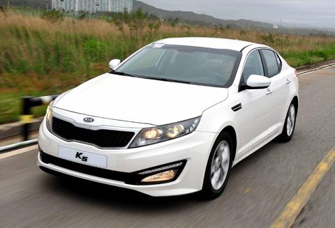 Kia K5 on Track to Outsell Hyundai Sonata - The Chosun Ilbo (English