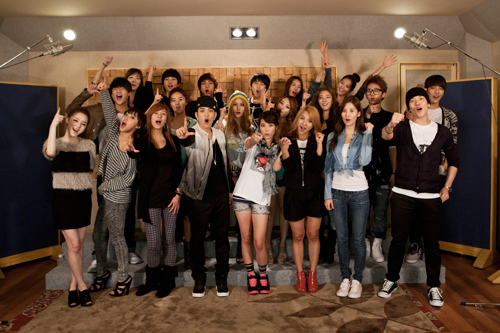The 20 singers who recorded a song promoting the G20 Seoul Summit /Courtesy of Asia Bridge Content