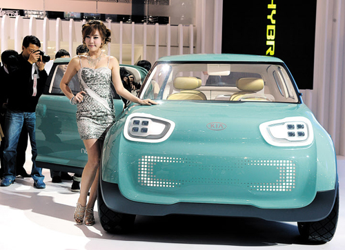 ... at a media preview at the KINTEX convention center in Goyang, Gyeonggi Province on Thursday, a day before the opening of the 2011 Seoul Motor Show.