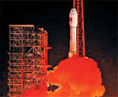 The Tianlian 1-02, China's data relay satellite, lifts off from the Xichang Satellite Launch Center in Sichuan Province on Monday. /Xinhua-Newsis
