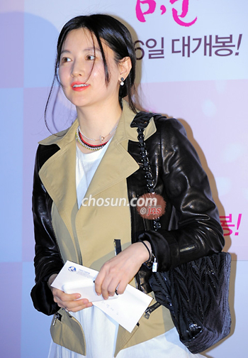 Actress Lee Young-ae attends a VIP preview of the film