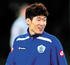 Park Ji-sung is pictured in Harlington near London on Tuesday during his first team training session after joining the Queens Park Rangers. /From the QPR website