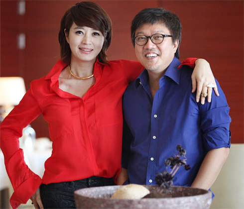 Kim Hye-soo (left) and Choi Dong-hoon