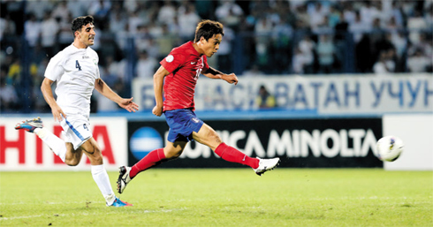 Park Chu-young shown in Koreas match against Uzbekistan in the final round of Asian qualifiers for the 2014 World Cup in Brazil, held in Tashkent on Tuesday /Yonhap