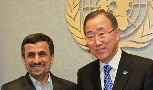 Secretary General of the UN Ban Ki-moon (right) meets with President of Iran Mahmoud Ahmadinejad at United Nations Headquarters on Sept. 23, 2012. /AP