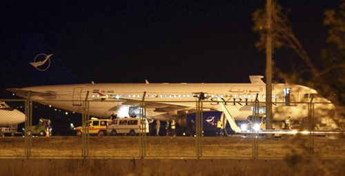 A Syrian passenger plane, which was forced to land, sits at Esenboga airport in Ankara on Oct. 10, 2012. /Reuters