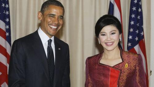 President Barack Obama poses with Thai Prime Minister Yingluck