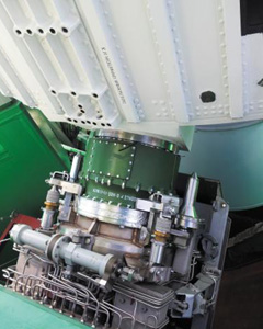 An adapter block (green) connecting a rocket to a launch pad /Courtesy of Korea Aerospace Research Institute