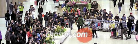 Incheon International Airport packed with passengers on Jan. 3