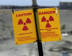 A sign warns of radiation on the Hanford Nuclear Reservation near Richland, Washington (file photo). /AP