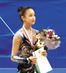 In this screen capture, Son Yeon-jae wears her bronze medal at the victory ceremony for the club competition at the Gazprom Cup Grand Prix in Moscow on Sunday.