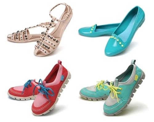 Try Jelly Shoes This Rainy Season The Chosun Ilbo