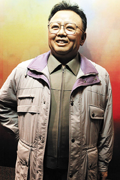 A waxwork of late leader Kim Jong-il that China gave North Korea to mark the 60th anniversary of the end of the Korean War /Courtesy of Global Times