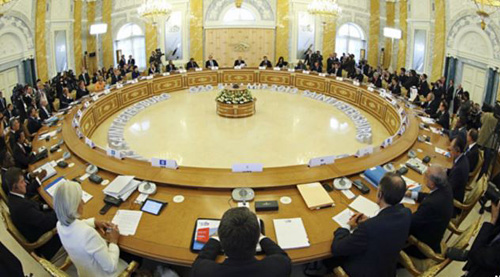 A general view of the roundtable meeting at the G20 summit at the Constantine Palace in St. Petersburg, Russia on Sept. 5, 2013. /AP