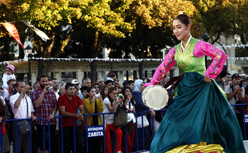 A traditional Korean dance is performed at Sultan Ahmet Square in Istanbul, Turkey. /Courtesy of the Istanbul-Gyeongju World Culture Expo