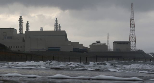 TEPCOs Kashiwazaki Kariwa nuclear power plant, the worlds biggest, is seen from a seaside in Kashiwazaki on Nov. 12, 2012. /Reuters