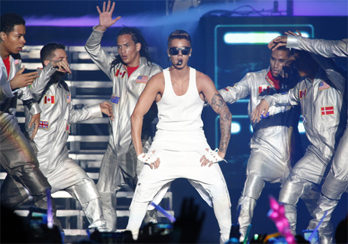 Justin Bieber is shown on stage during his first performance in Korea at Olympic Park Gymnastic Stadium in Seoul on Thursday. /Courtesy of Access Entertainment
