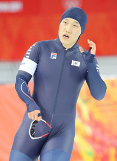 Mo Tae-bum reacts after the second race of the mens speed skating 500 m at the Adler Arena Skating Center in Sochi, Russia on Monday.