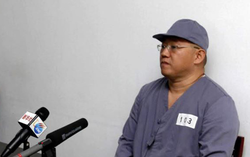 American missionary Kenneth Bae speaks to reporters at Pyongyang Friendship Hospital in Pyongyang, North Korea. /AP