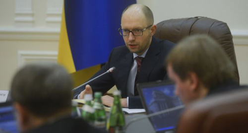 Ukraines new prime minister Arseny Yatseniuk chairs a meeting in Kyiv on Feb. 27, 2014. /Reuters