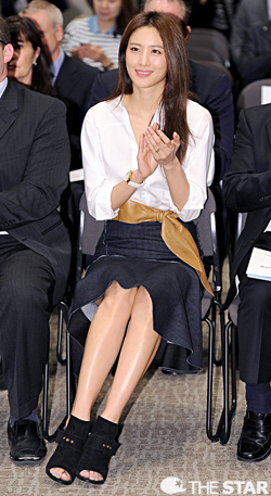 Actress Kim Soo-hyun attends an event on Tuesday to sign a memorandum of understanding between the Seoul Metropolitan Government and Marvel Studios for the filming of the Hollywood blockbuster