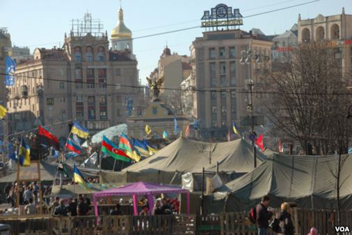 Hundreds remain encamped in central Kyivs Independence Square even after the old government was ousted.