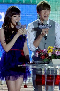 Tiffany (left) and Nichkhun