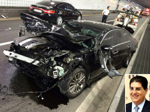 The car of Lebanese Ambassador Jad Saeed El-Hassan lies wrecked in a tunnel in Seoul on Thursday.