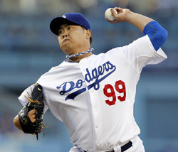 Ryu Hyun-jin throws against the Colorado Rockies in the first inning of a baseball game in Los Angeles on Monday. /AP-Newsis