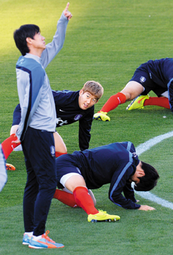 The Korean national team trains at their base camp in Foz do Iguaçu, Brazil on Thursday.