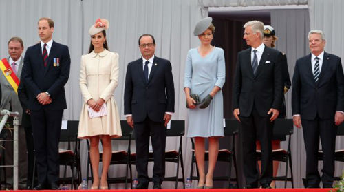 Britains Prince William, his wife Catherine, French President François Hollande, Queen Mathilde of Belgium, King Philippe of Belgium and German President Joachim Gauck attend a ceremony commemorating the 100th anniversary of the outbreak of WWI in Liege on Aug. 4, 2014. /Reuters