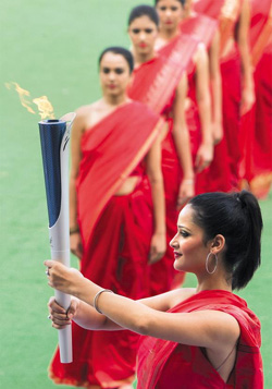 The torch carrying the flame for the Incheon Asian Games is shown during the flame lighting ceremony at New Delhi Stadium in India on Saturday. /Xinhua-Newsis
