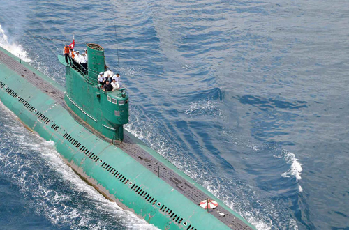 North Korean leader Kim Jong-un boards a submarine in this picture published by the official Rodong Simnun daily on June 16.