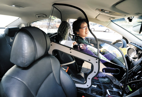 Seoul Taxis Get Protection Screens For Women Drivers The