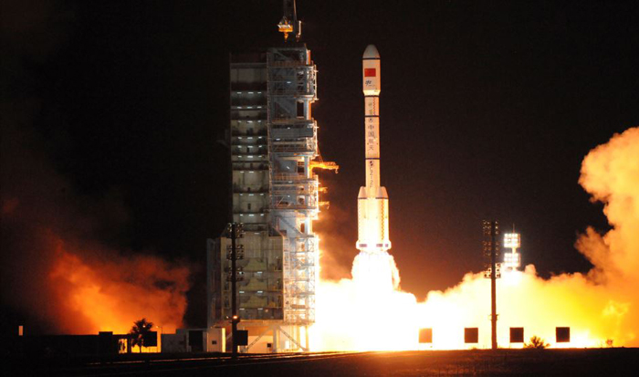 Chinese astronauts launch into space for 30d stay on experimental space station