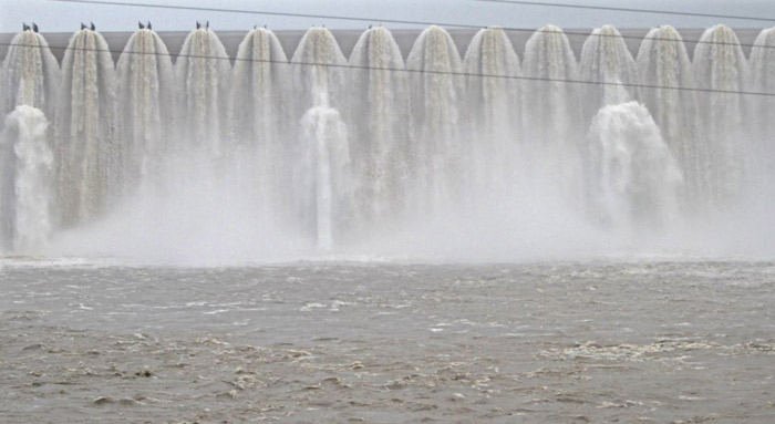 PM Modi inaugurates Sardar Sarovar Dam in Gujarat on his b'day