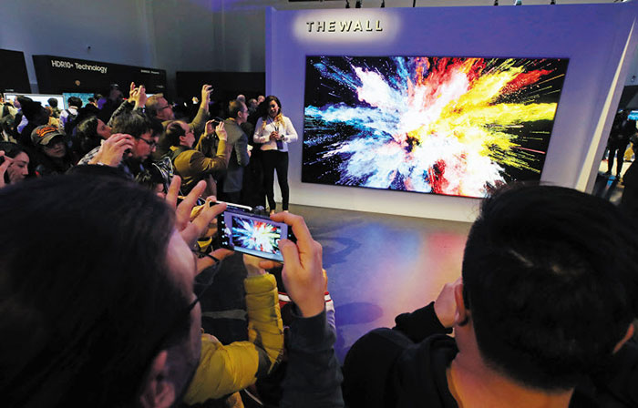 Samsung introduces the future of displays