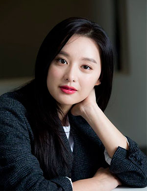 Actress Kim Ji-won Tackles 1st Period Role in Her Latest ...