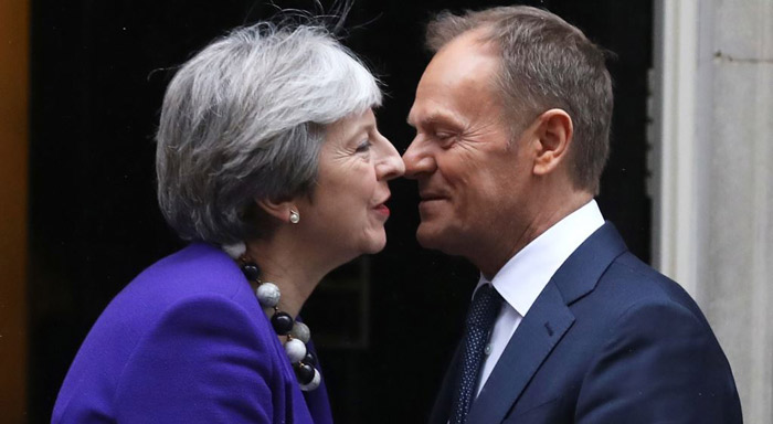 May meets EU's Tusk on eve of Brexit speech