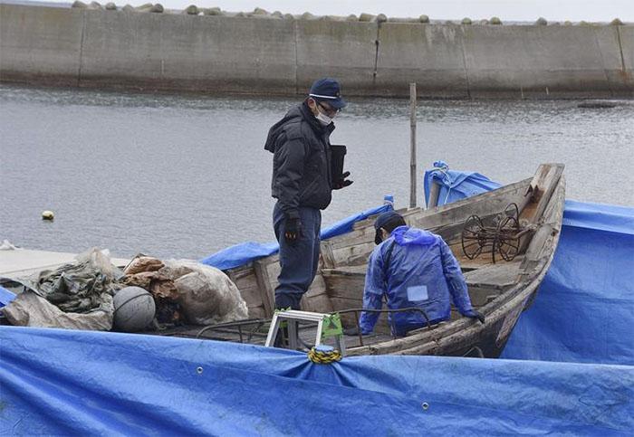 Drifting N.Korean Fishermen Refuse Japanese Help