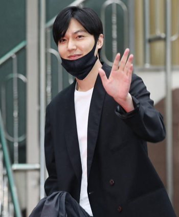 c9770b0a Actor Lee Min-ho Completes Military Service - The Chosun Ilbo ...